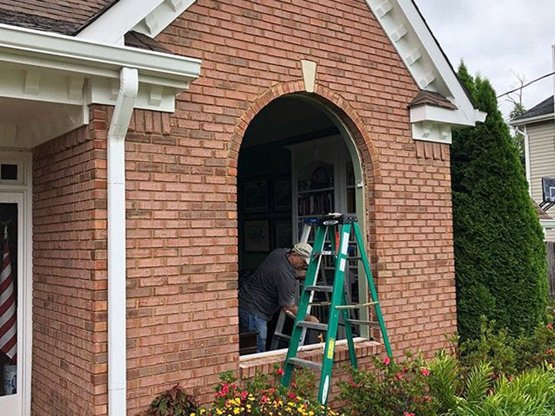 Installing an arched window